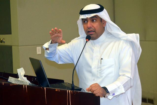 الأخبار جامعة الملك فيصل عميد كلية التربية يعقد اللقاء الثاني مع أعضاء